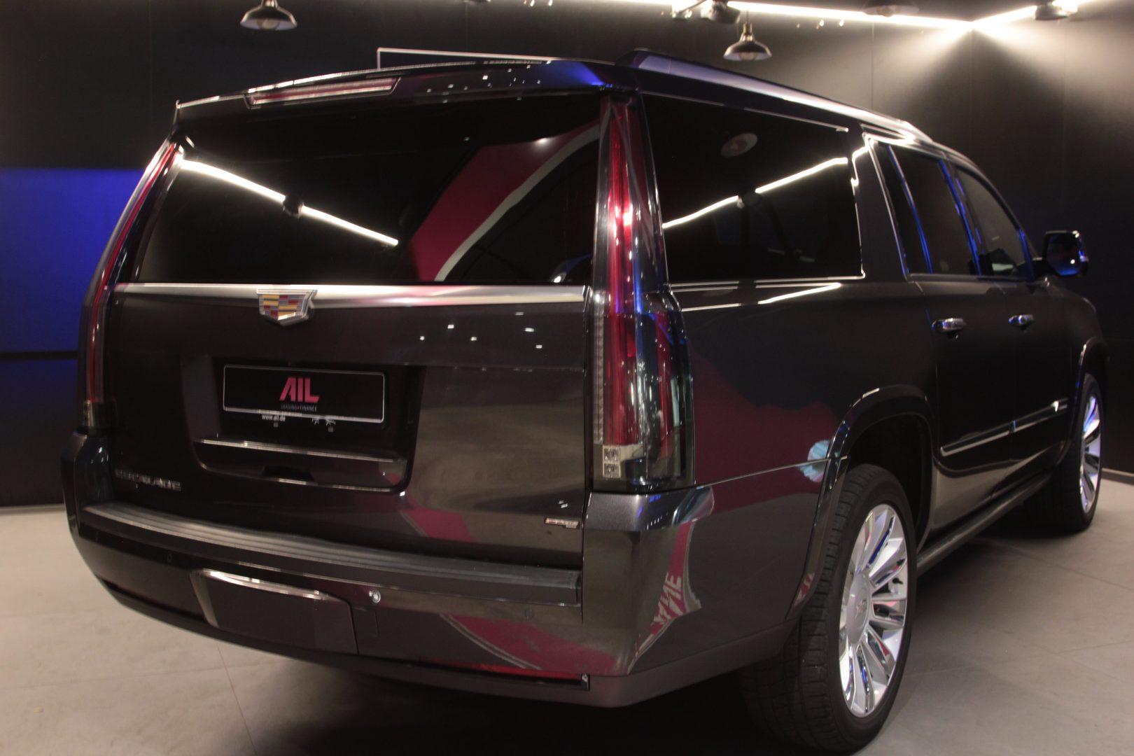 AIL Cadillac Escalade ESV Platinum 6.2 V8 AWD 13