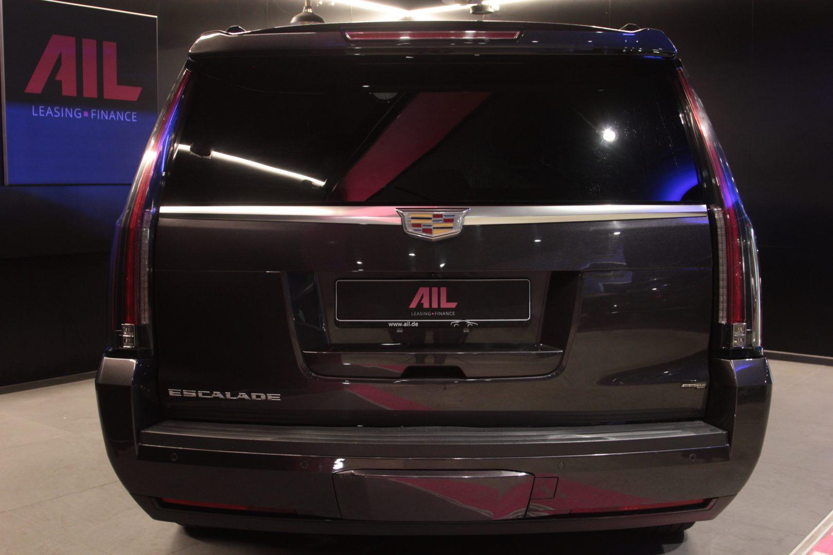 AIL Cadillac Escalade ESV Platinum 6.2 V8 AWD 4