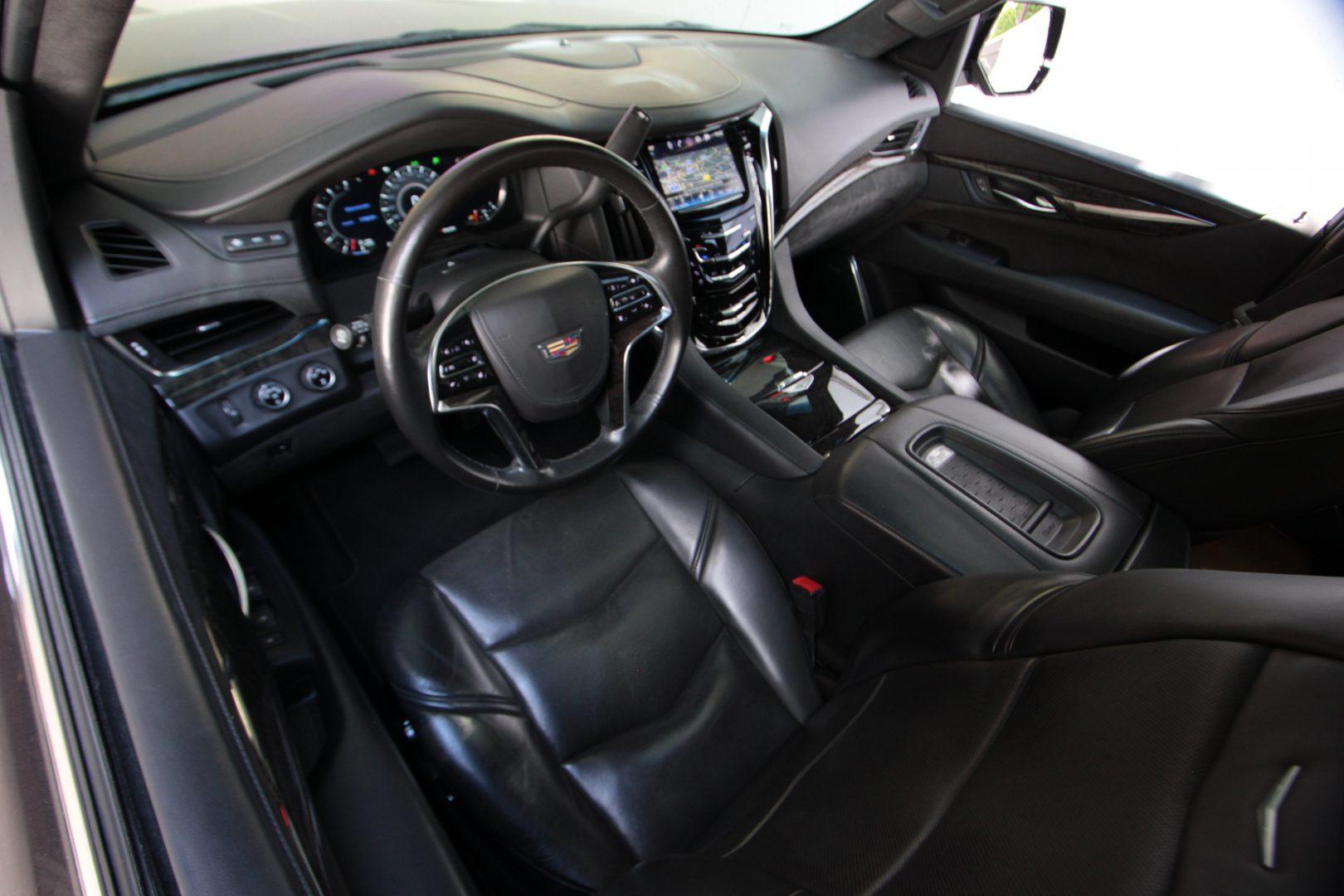 AIL Cadillac Escalade ESV Platinum 6.2 V8 AWD 15