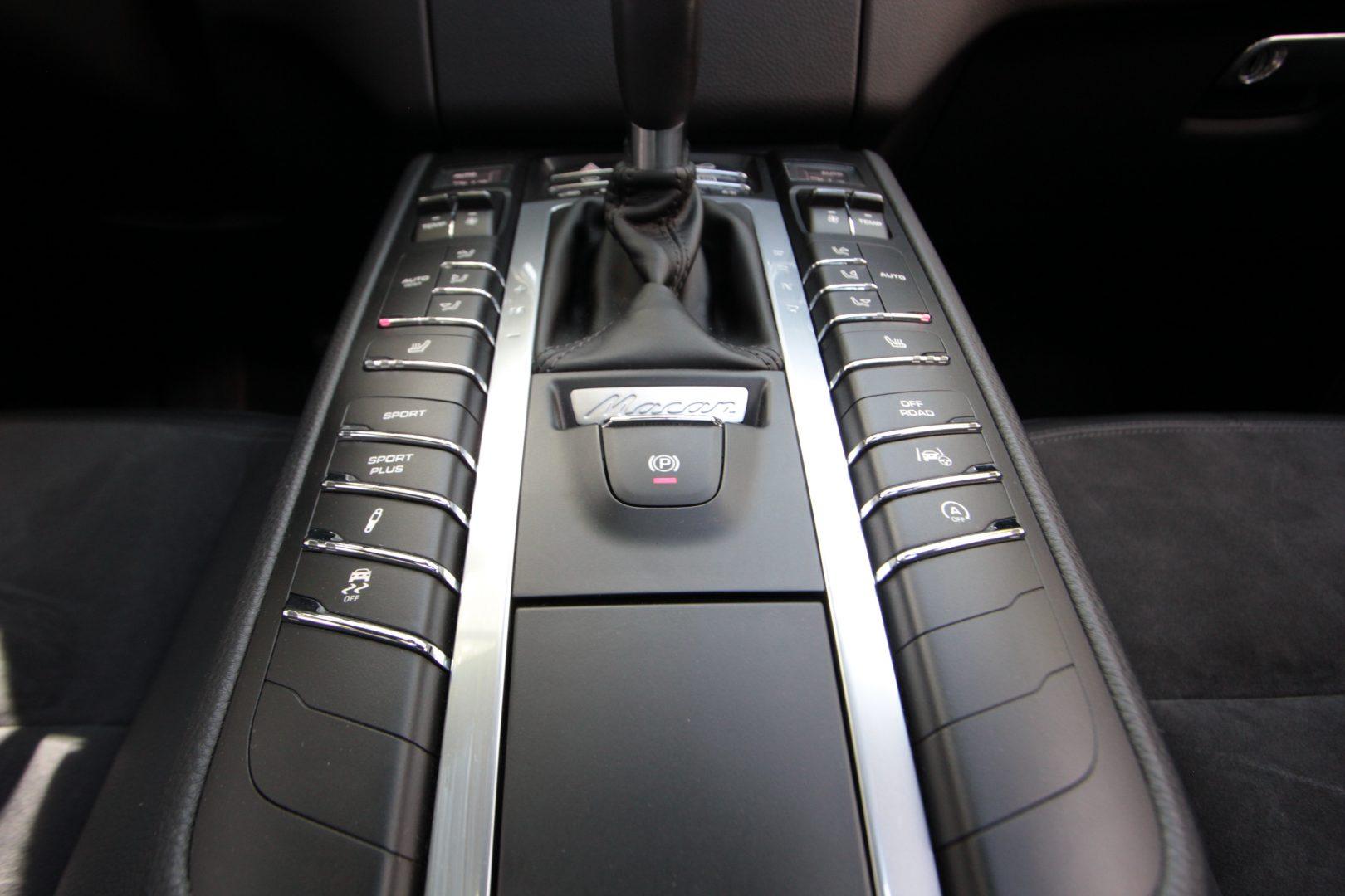 AIL Porsche Macan S  8