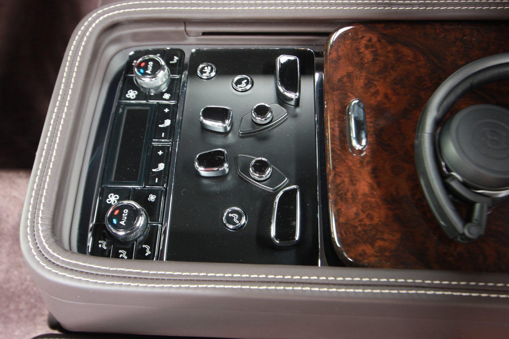 AIL Bentley Mulsanne Dark Stained BurrWalnut 7