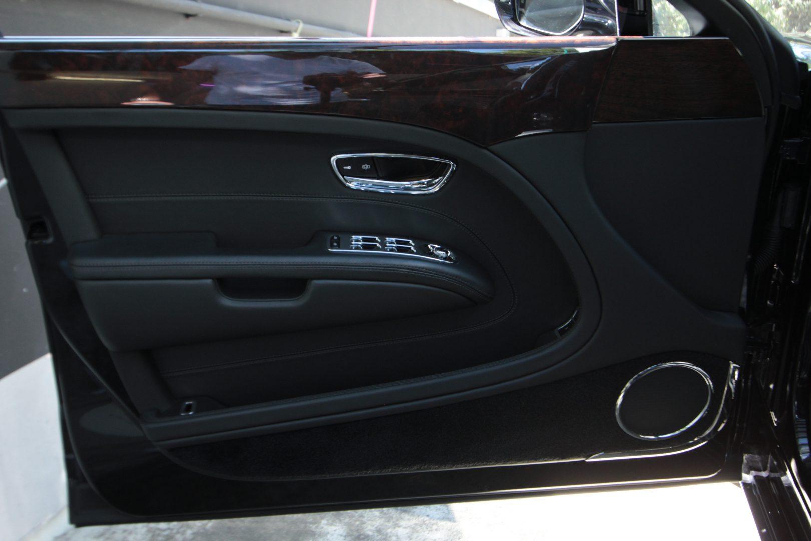 AIL Bentley Mulsanne 16