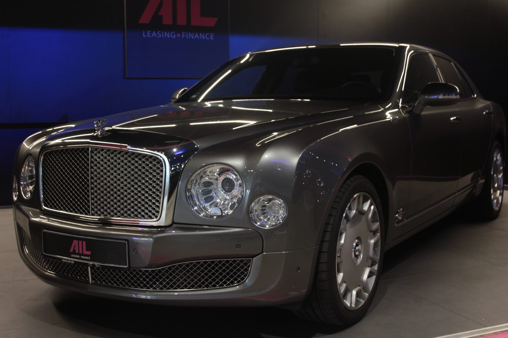AIL Bentley Mulsanne Dark Stained BurrWalnut 8