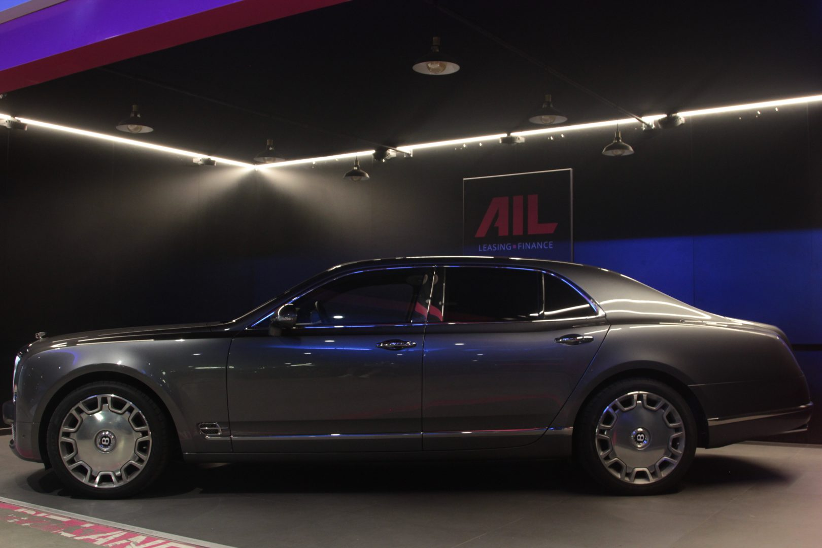 AIL Bentley Mulsanne Dark Stained BurrWalnut 9