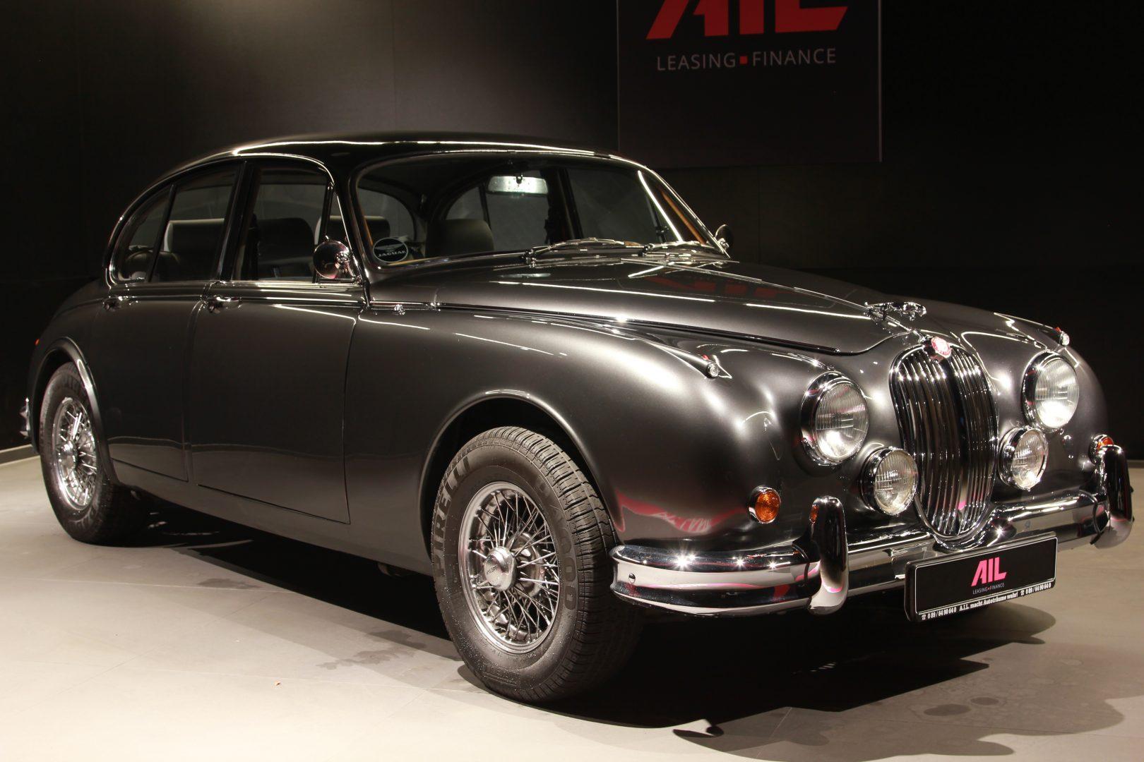 AIL Jaguar MK II 11