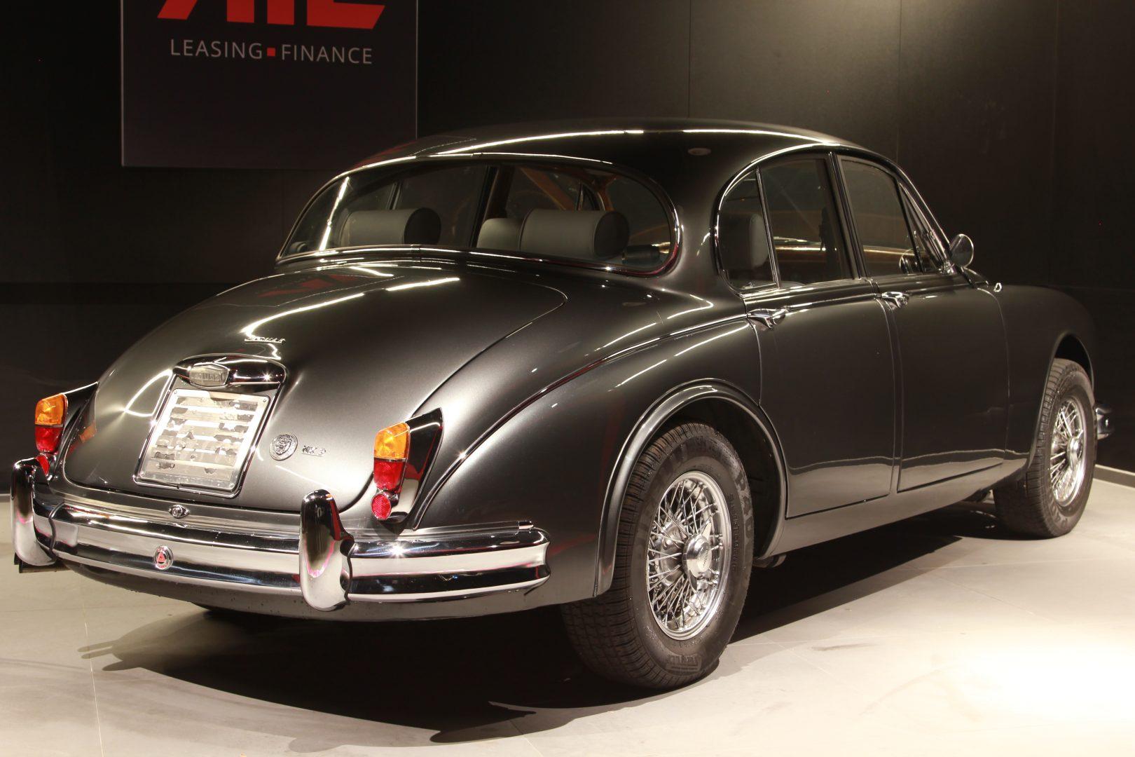 AIL Jaguar MK II 6