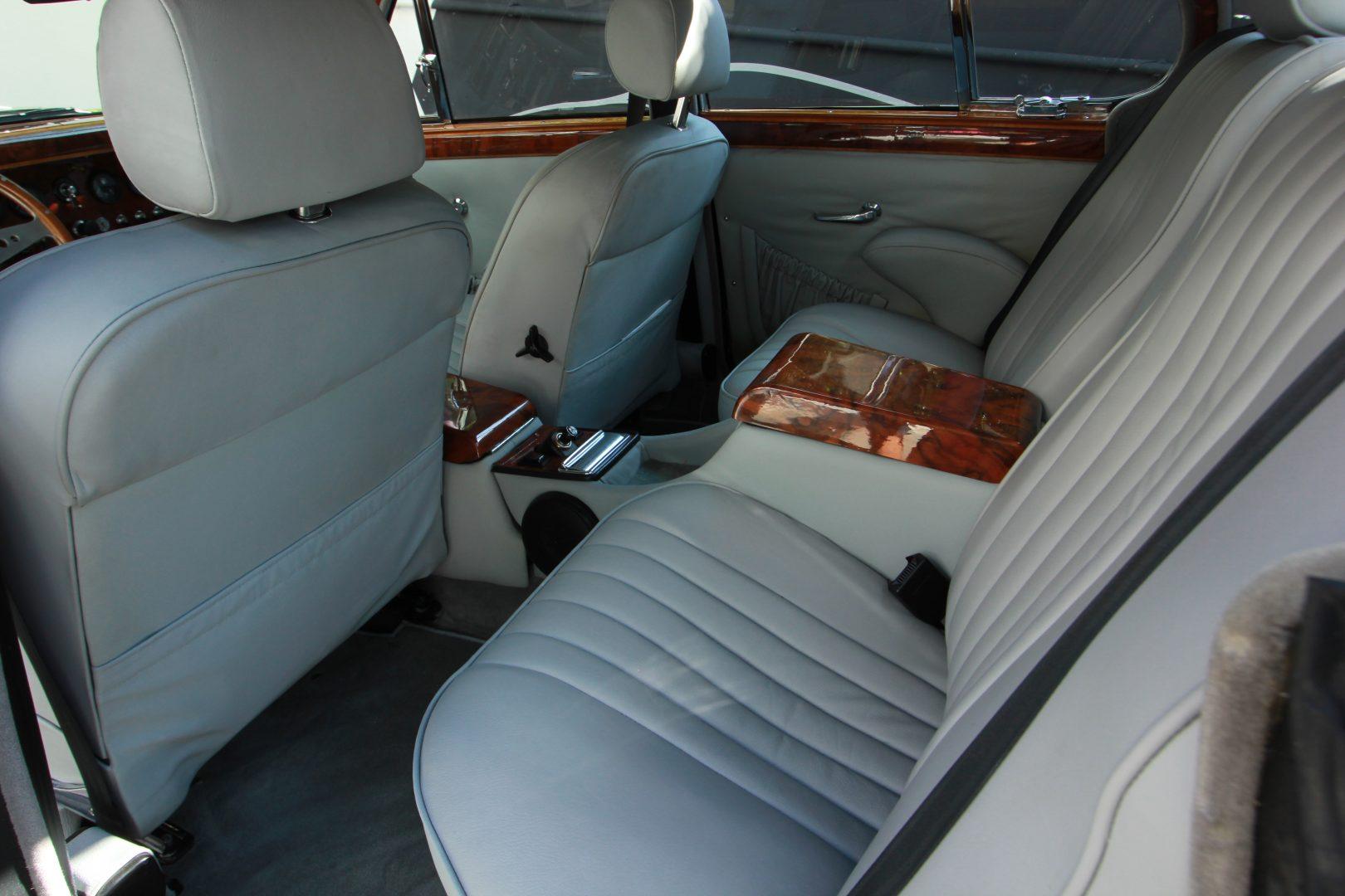 AIL Jaguar MK II 8