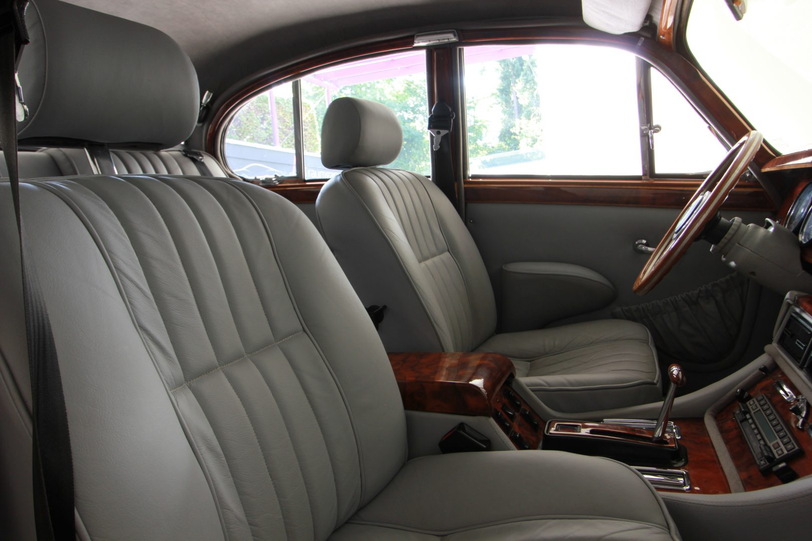 AIL Jaguar MK II 12