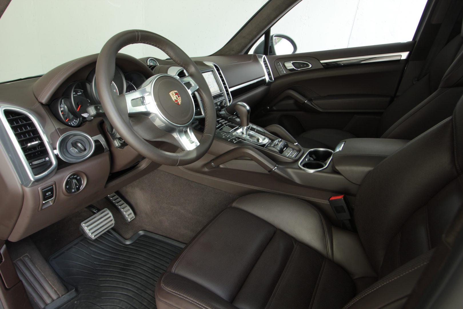 AIL Porsche Cayenne GTS Panorama Bose  2