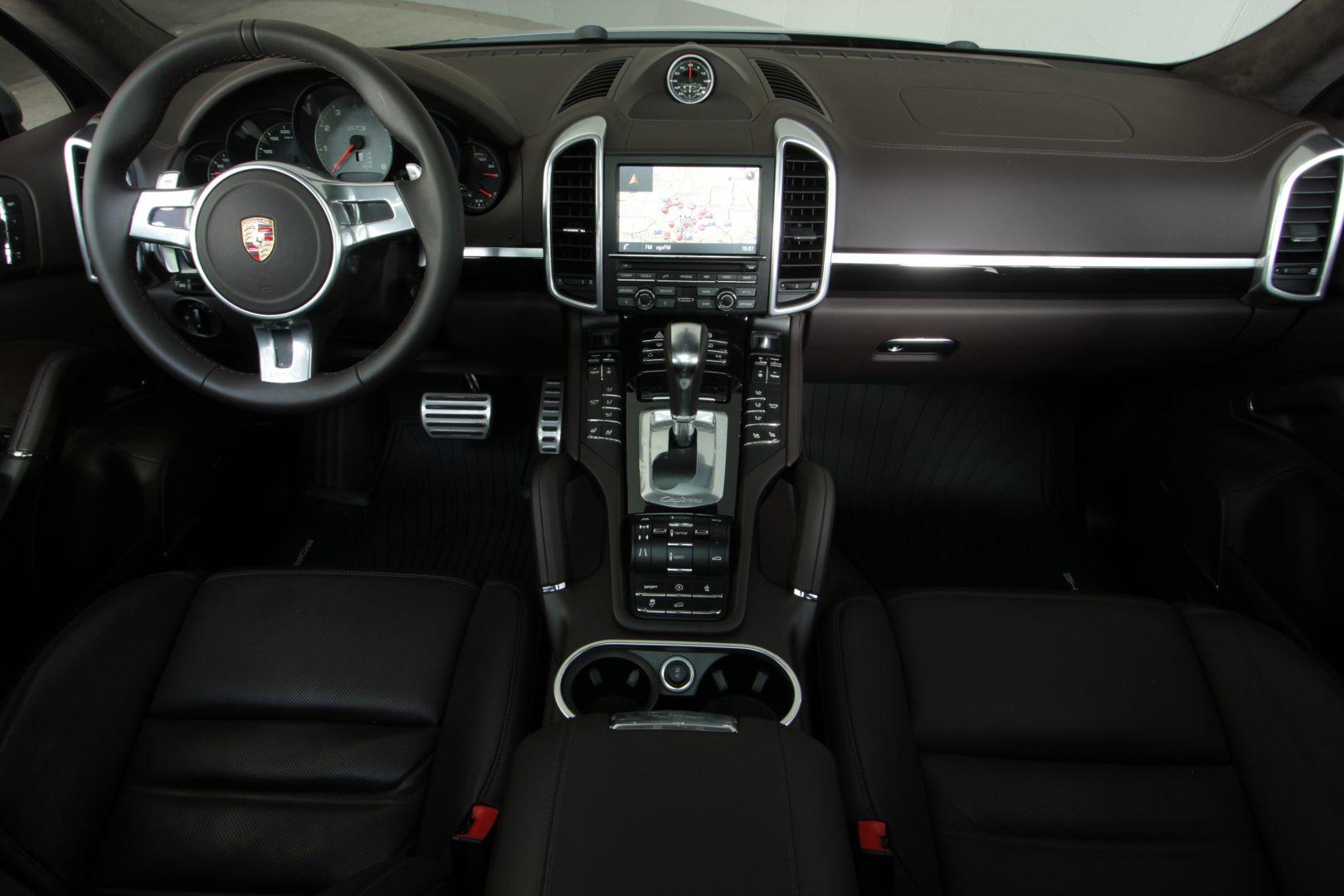 AIL Porsche Cayenne GTS Panorama Bose  6
