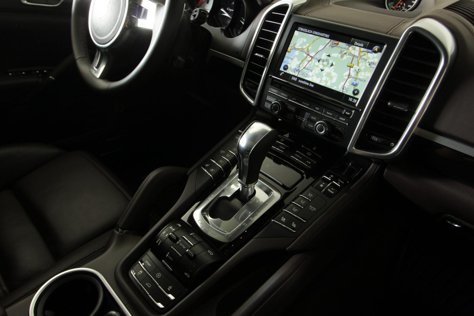 AIL Porsche Cayenne GTS Panorama Bose  11