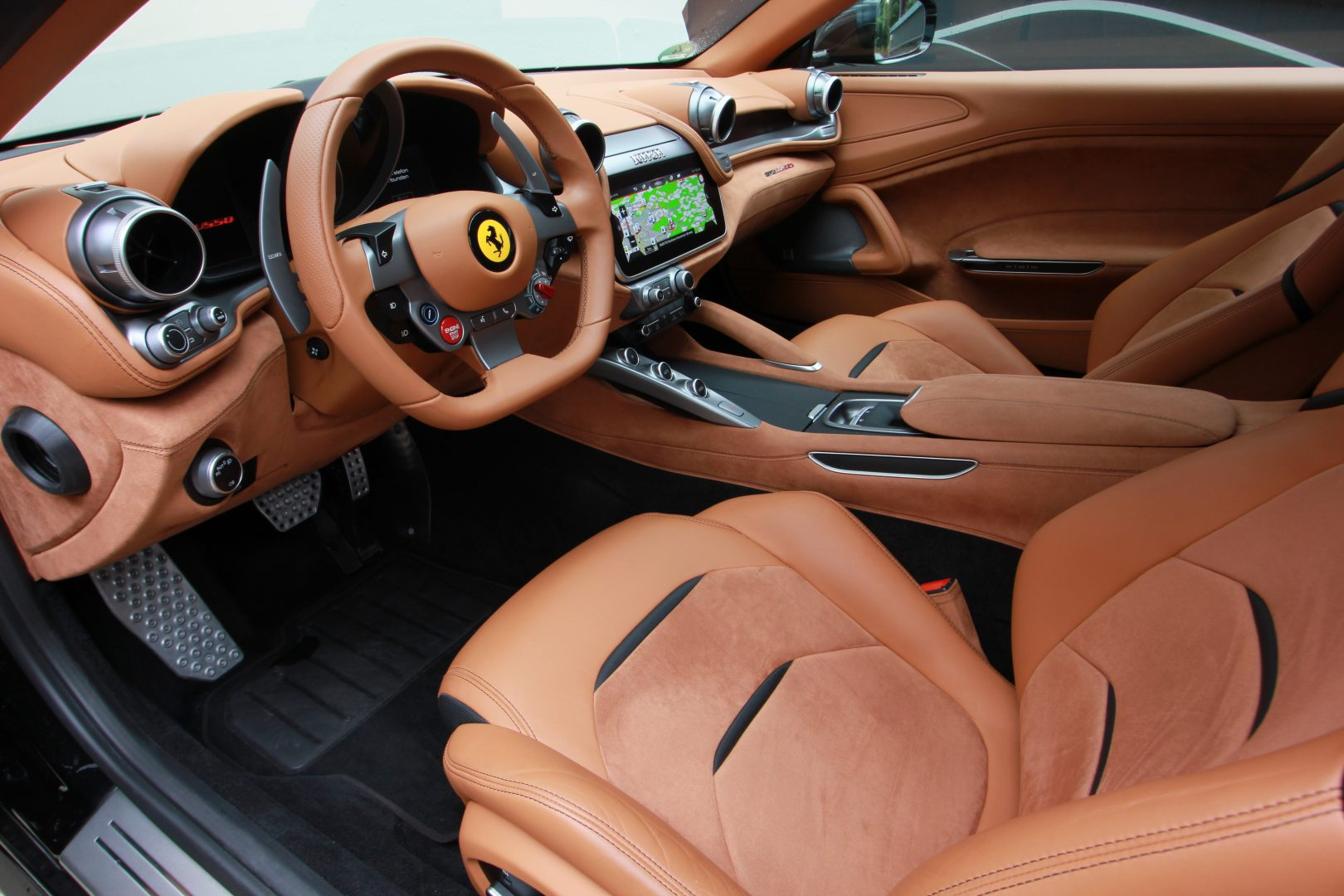 AIL Ferrari GTC4Lusso 2