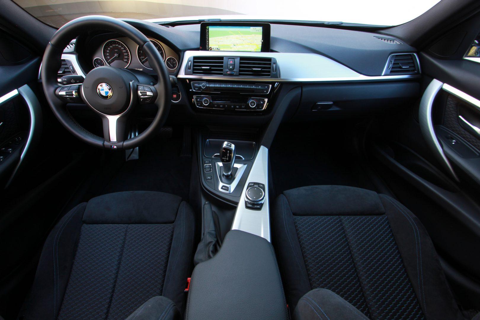 AIL BMW 330e iPerformance M Sport 8