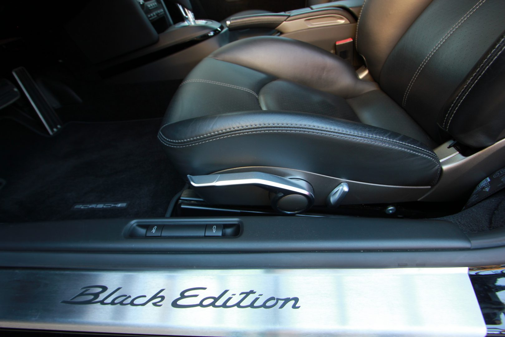 AIL Porsche Cayman S Black Edition PDK Sport Chrono 10