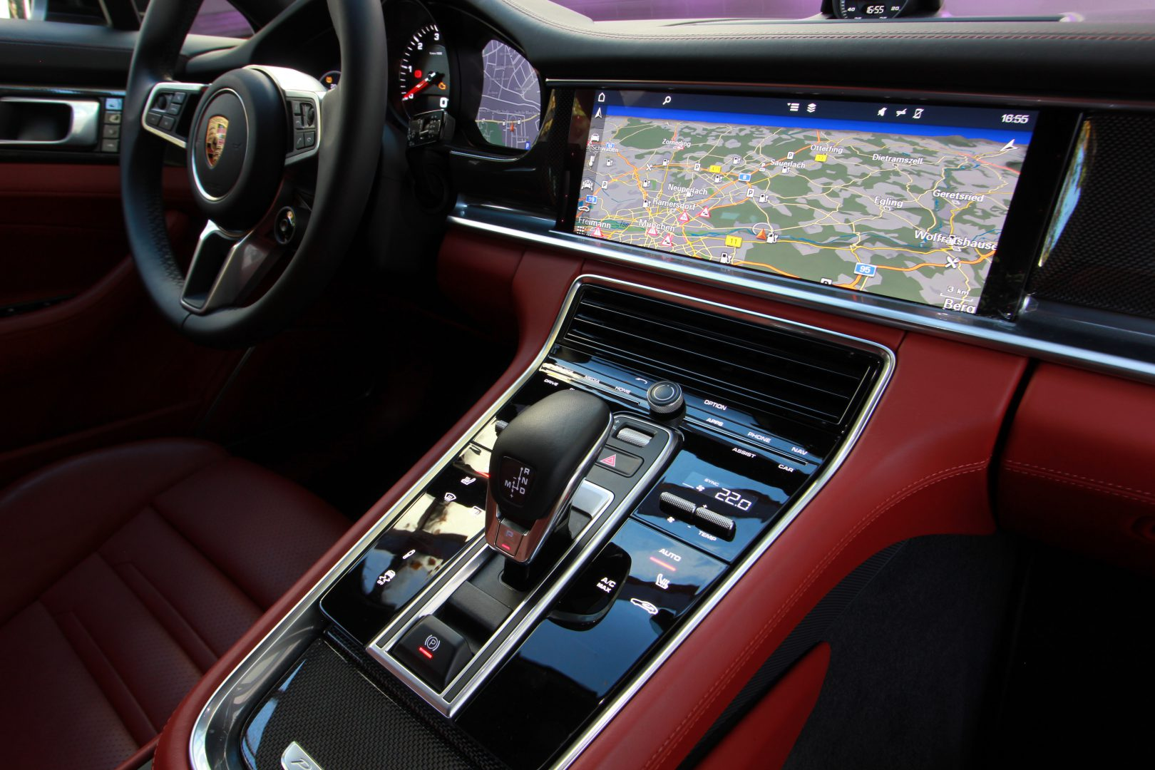 AIL Porsche Panamera 4S Diesel Panorama LED
