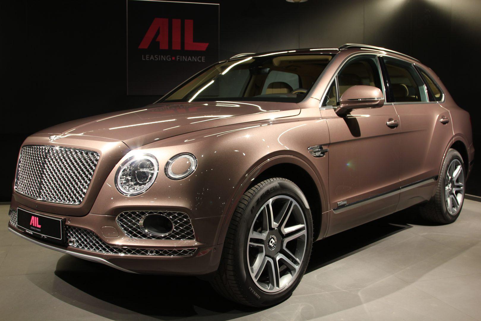 AIL Bentley Bentayga V8 Diesel Mulliner Driving Paket  13