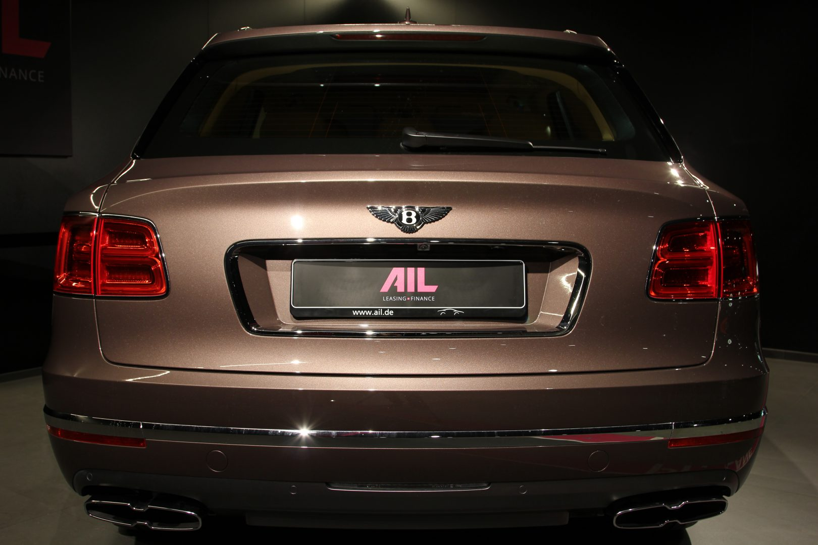 AIL Bentley Bentayga V8 Diesel Mulliner Driving Paket  11