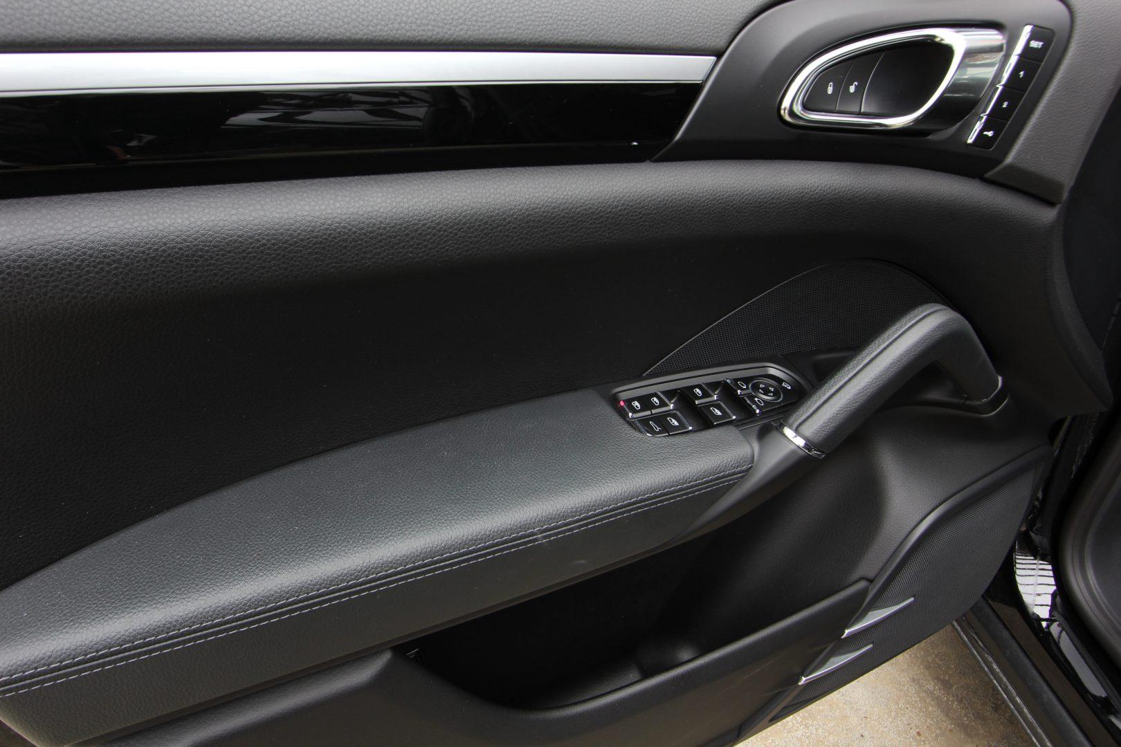 AIL Porsche Cayenne Diesel DAB+ 21 Zoll Sport Edition 9