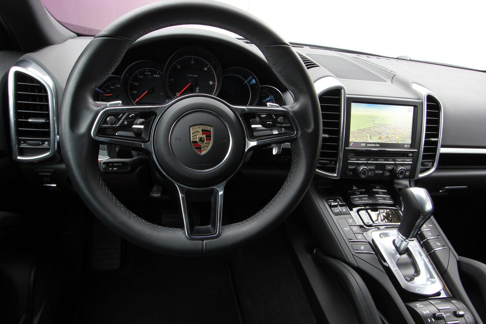 AIL Porsche Cayenne Diesel DAB+ 21 Zoll Sport Edition 12