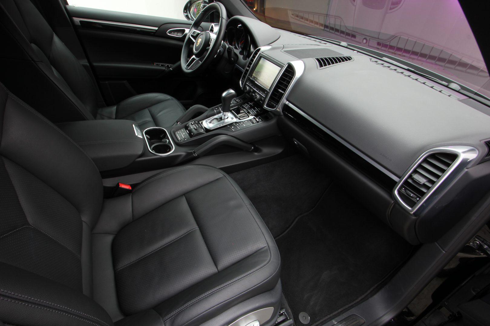 AIL Porsche Cayenne Diesel DAB+ 21 Zoll Sport Edition 7
