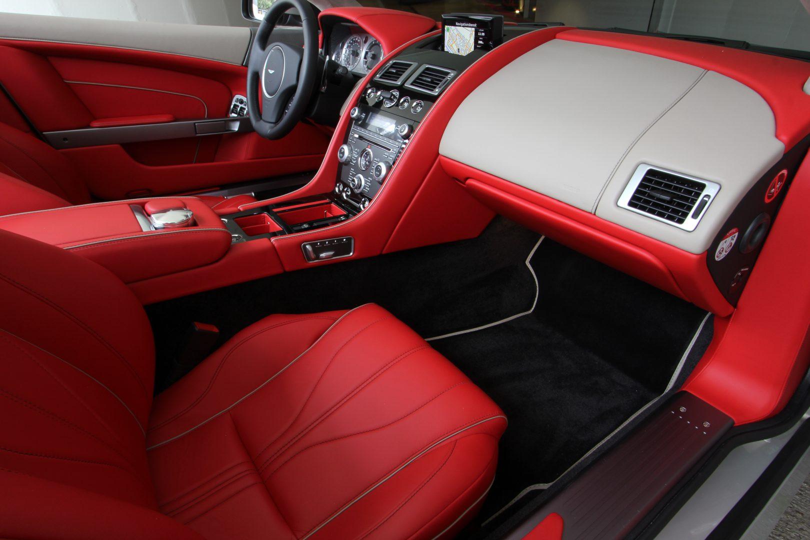 AIL Aston Martin DB9 Volante