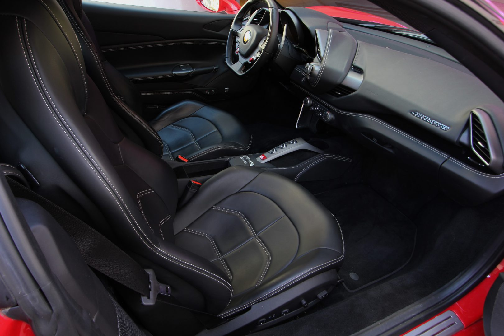 AIL Ferrari 488 GTB Rosso Corsa 4