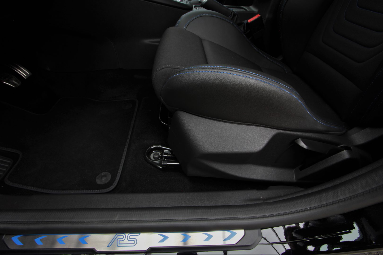 AIL Ford Focus RS Easy-Driver-Paket Recaro  15