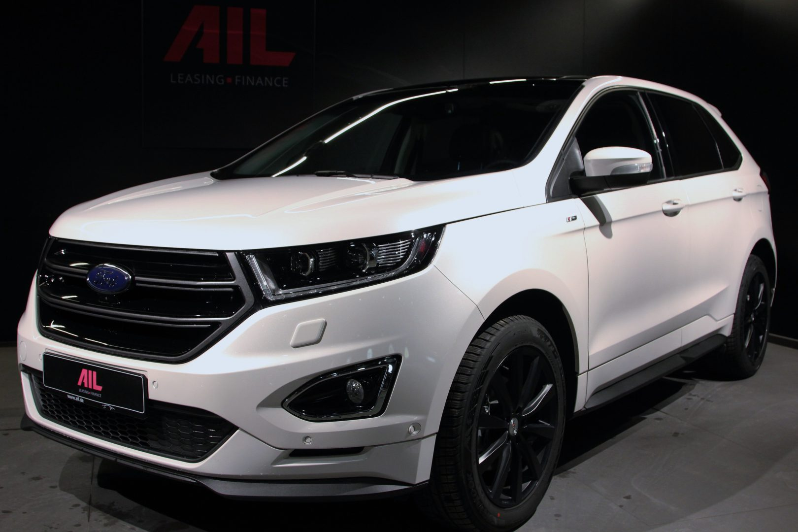 Ford Edge ST-Line 4x4 LED Panorama • AIL Leasing München AG