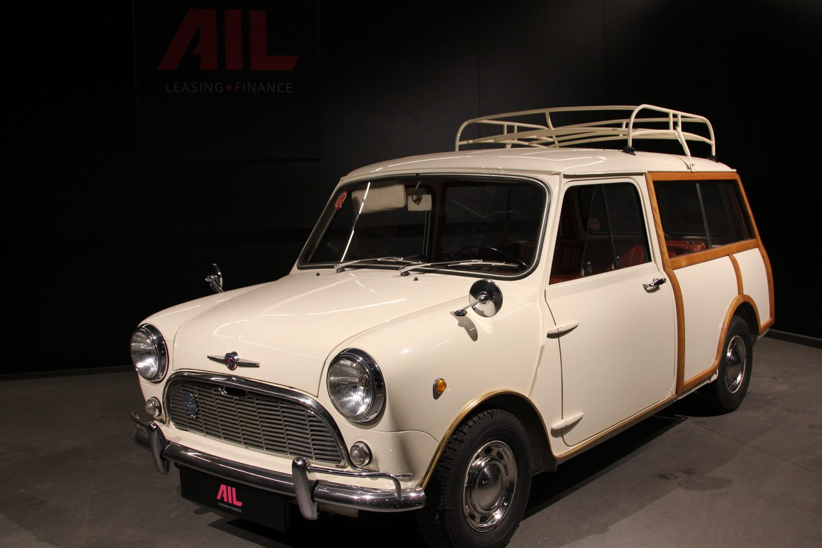 AIL MINI Mini Morris Traveller 12
