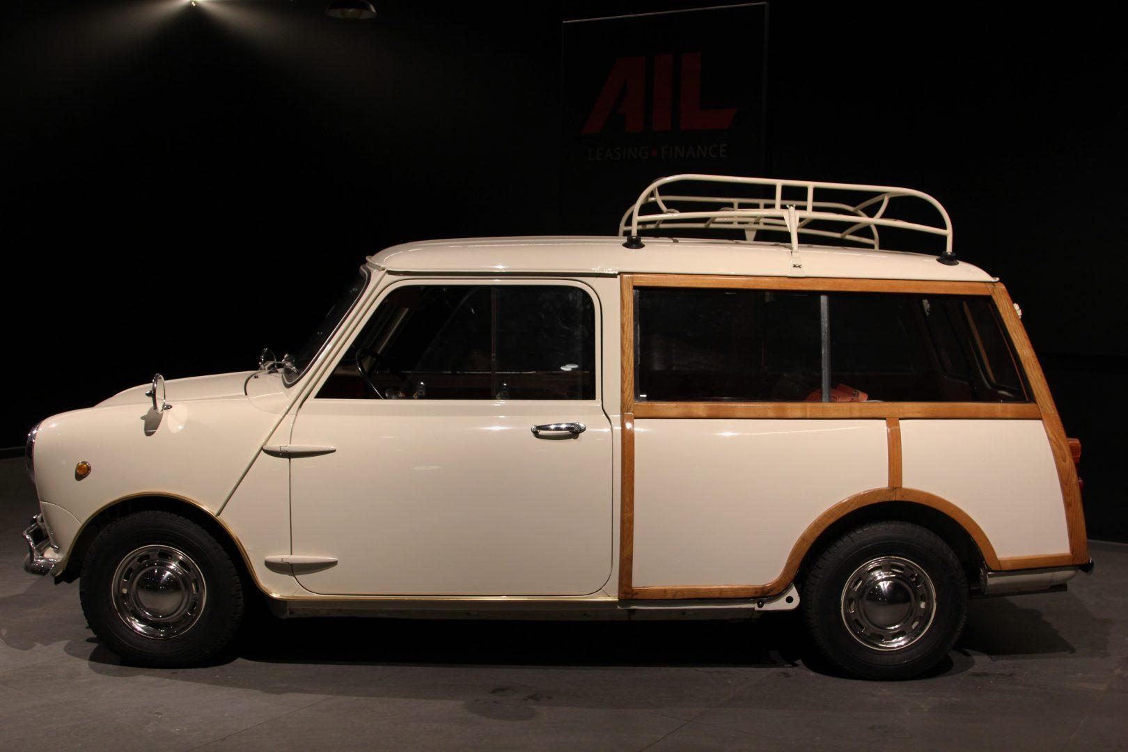 AIL MINI Mini Morris Traveller 10