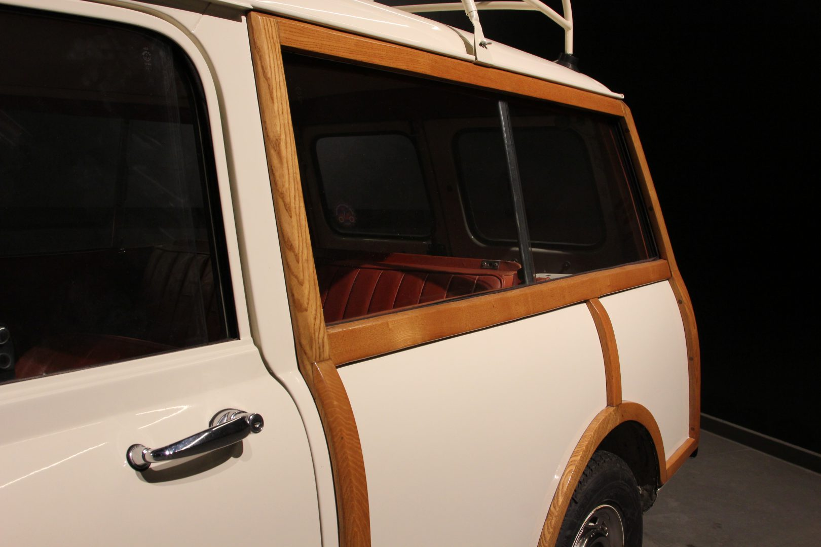 AIL MINI Mini Morris Traveller 4