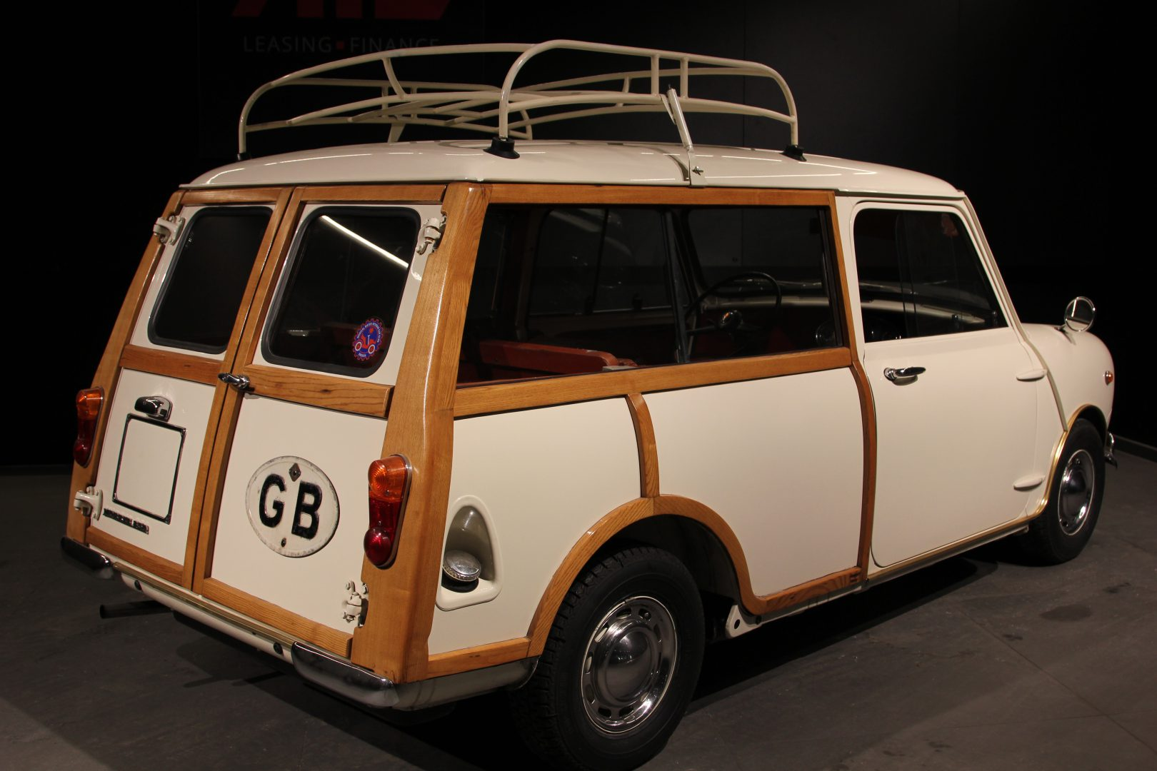 AIL MINI Mini Morris Traveller 6