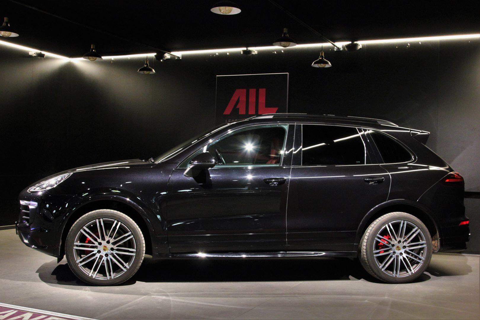 AIL Porsche Cayenne S Diesel Carbon Paket 2