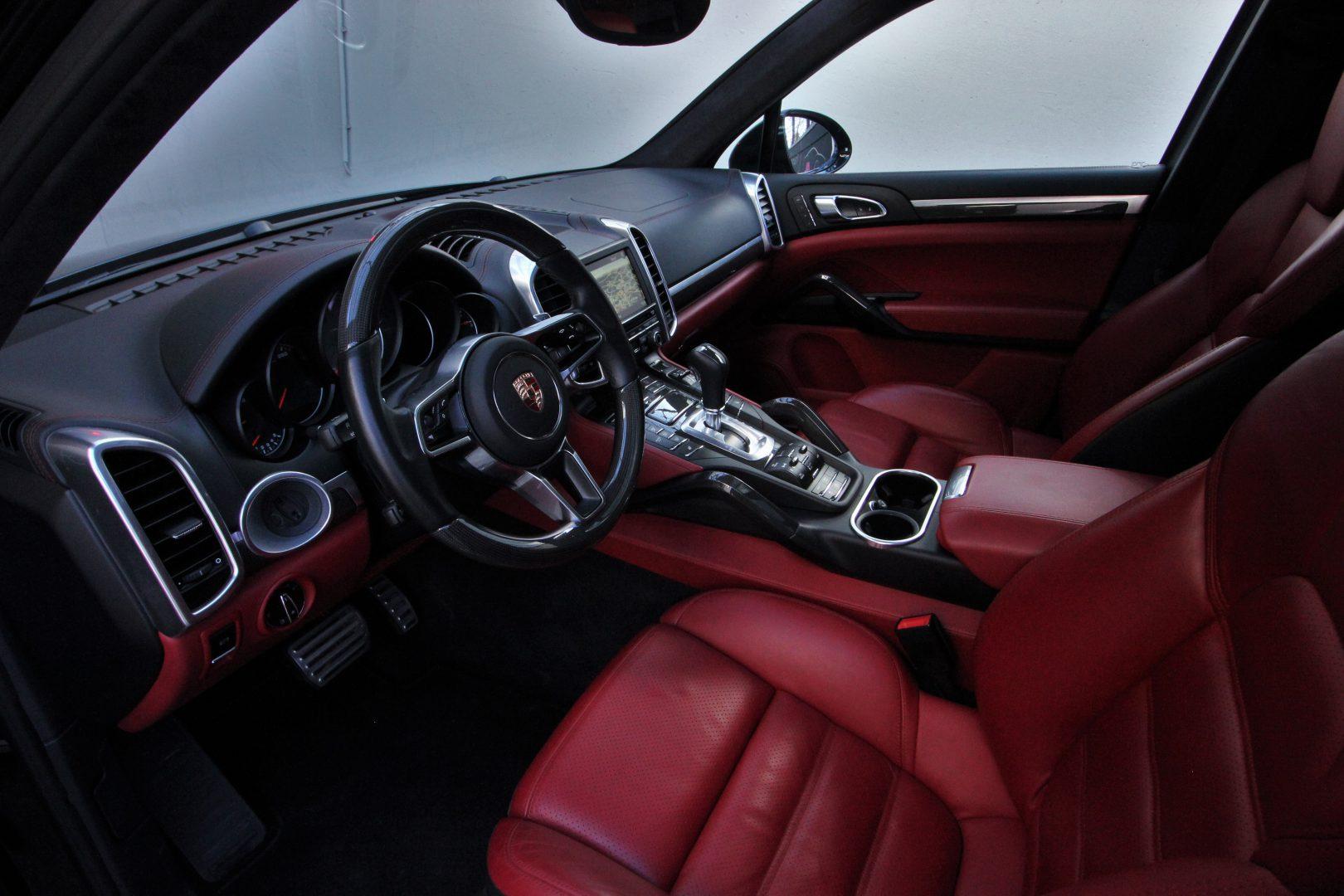 AIL Porsche Cayenne S Diesel Carbon Paket 1