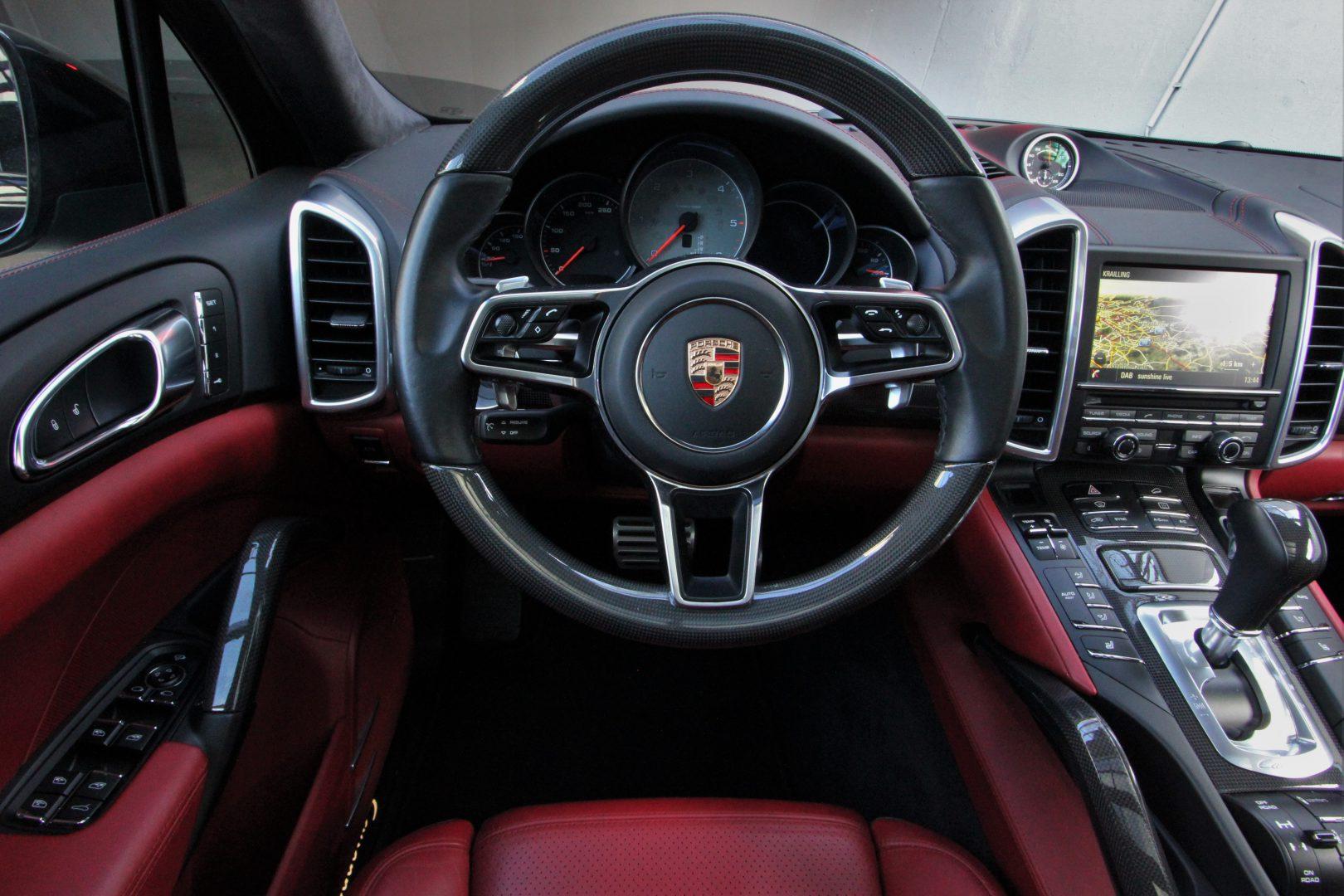 AIL Porsche Cayenne S Diesel Carbon Paket 8