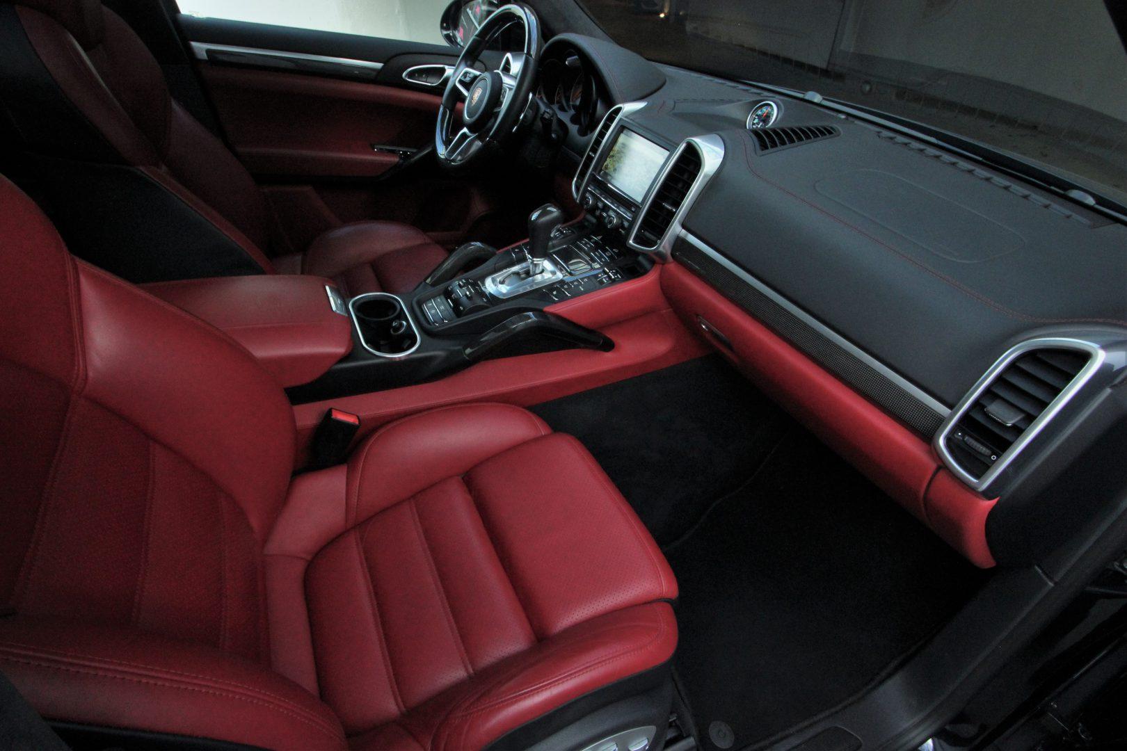 AIL Porsche Cayenne S Diesel Carbon Paket 12