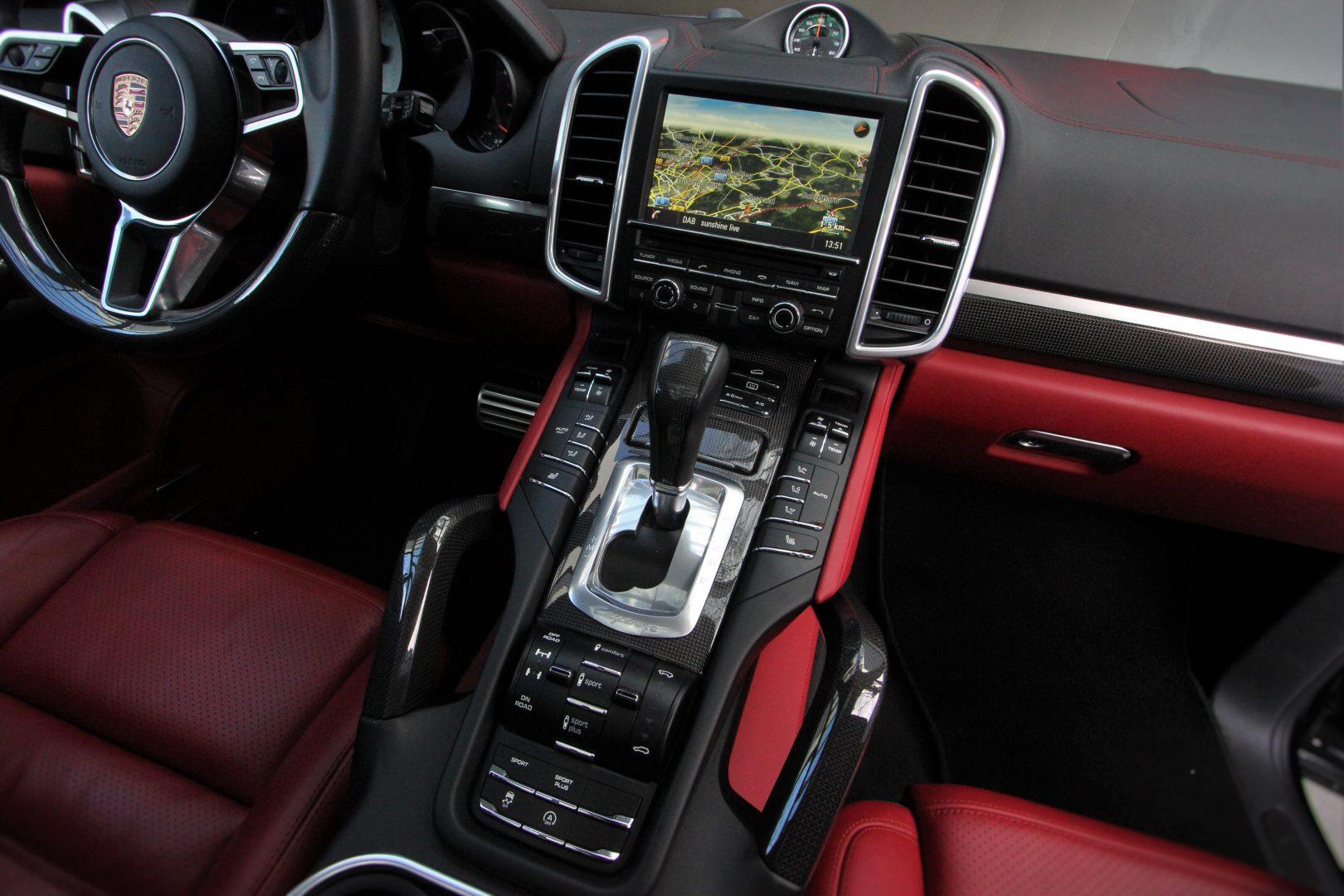 AIL Porsche Cayenne S Diesel Carbon Paket 3