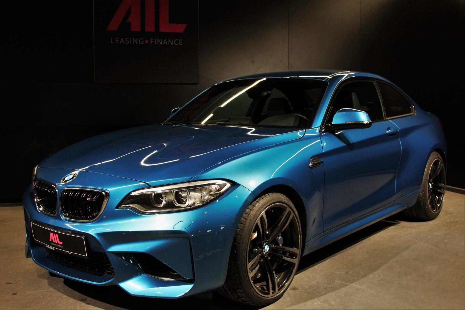 AIL BMW M2 LONG BEACH BLUE DKG  9