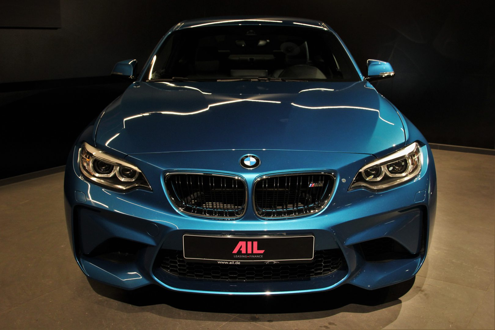 AIL BMW M2 LONG BEACH BLUE DKG  7