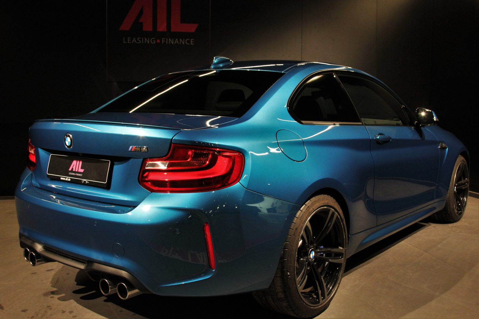 AIL BMW M2 LONG BEACH BLUE DKG  1