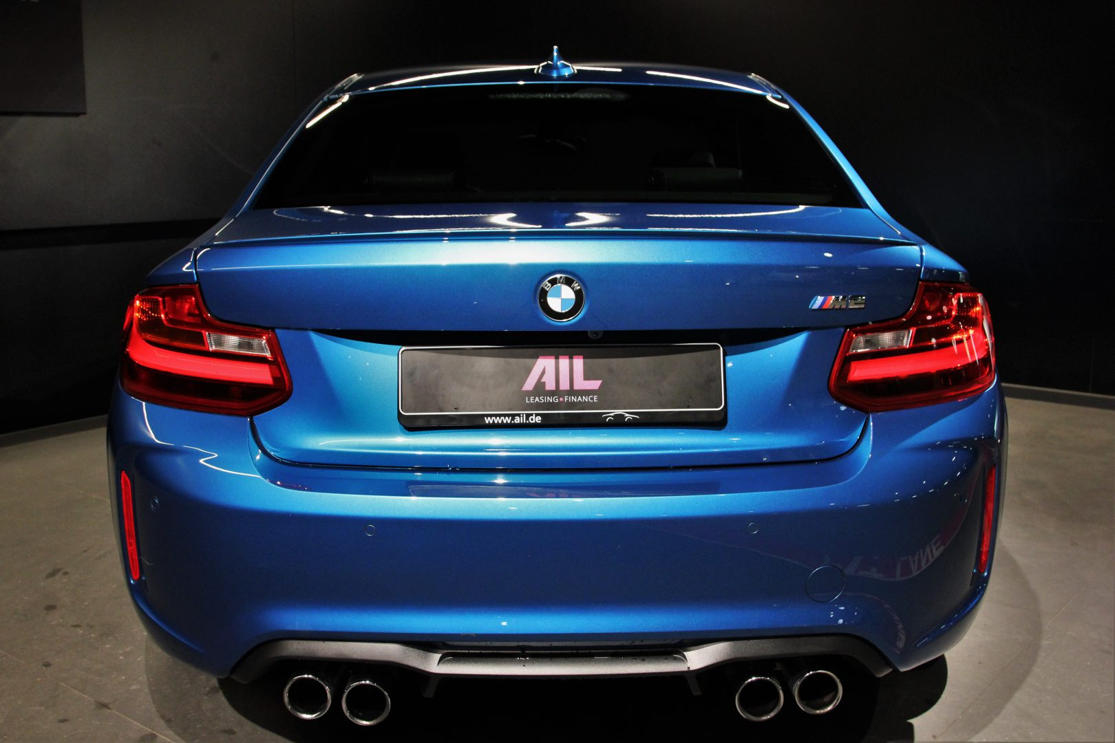 AIL BMW M2 LONG BEACH BLUE DKG  5