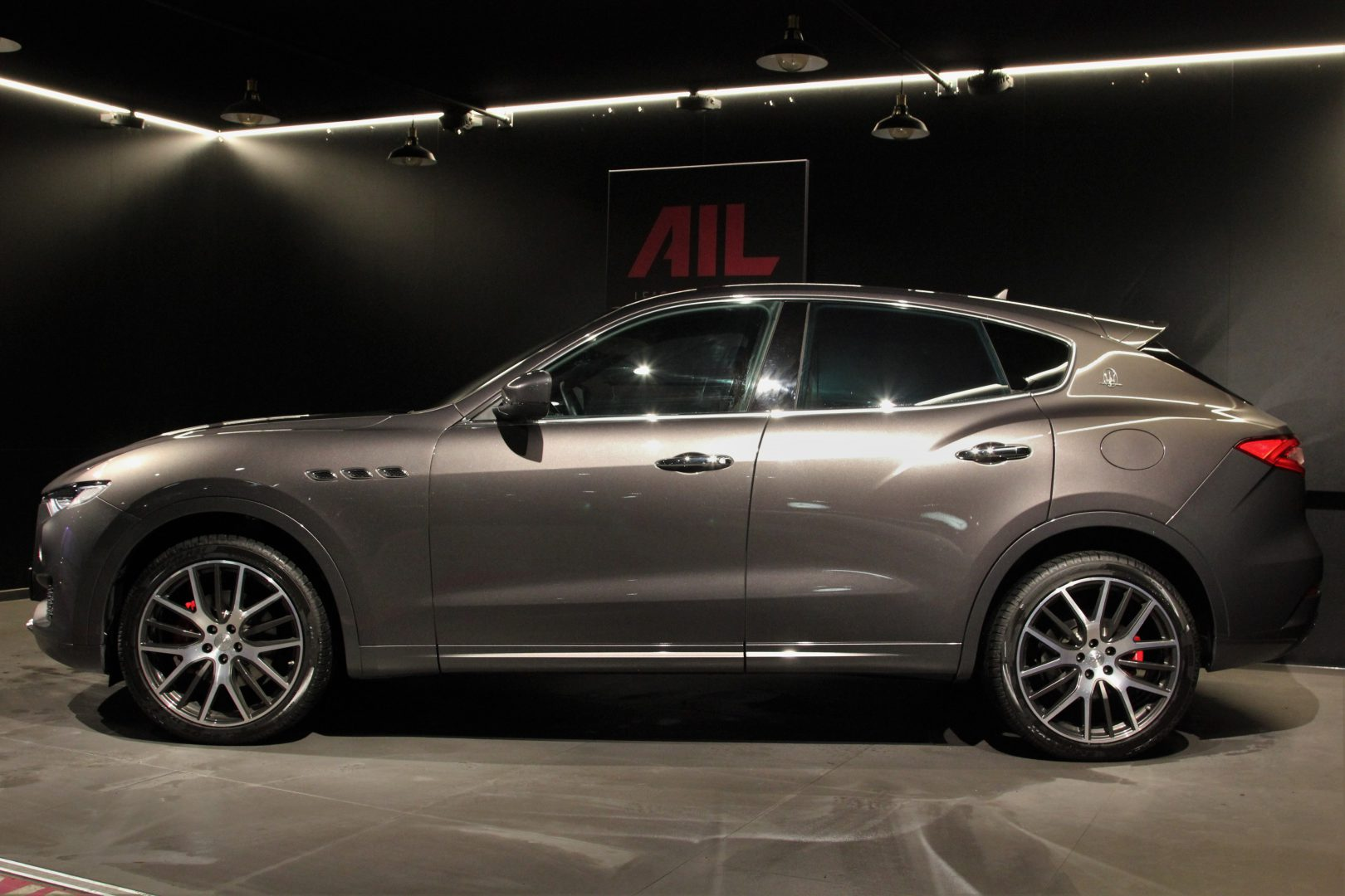 AIL Maserati Levante Diesel Business-Paket Plus 4