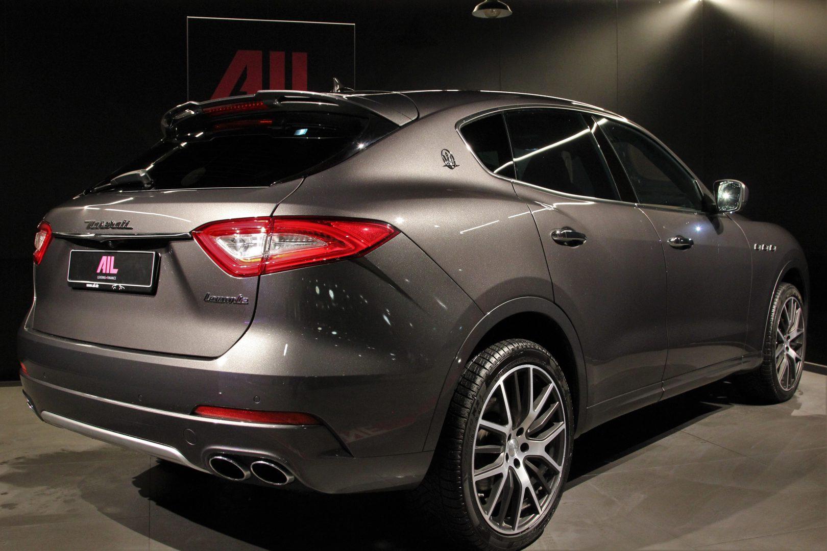 AIL Maserati Levante Diesel Business-Paket Plus 8