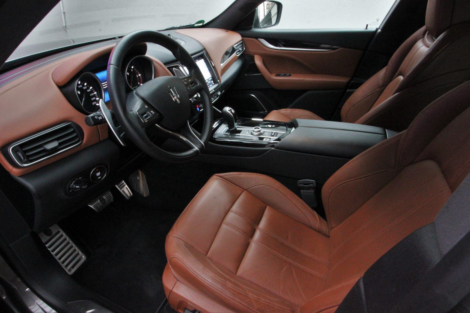 AIL Maserati Levante Diesel Business-Paket Plus 12