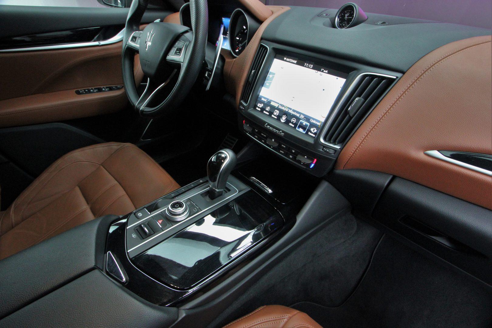 AIL Maserati Levante Diesel Business-Paket Plus 9