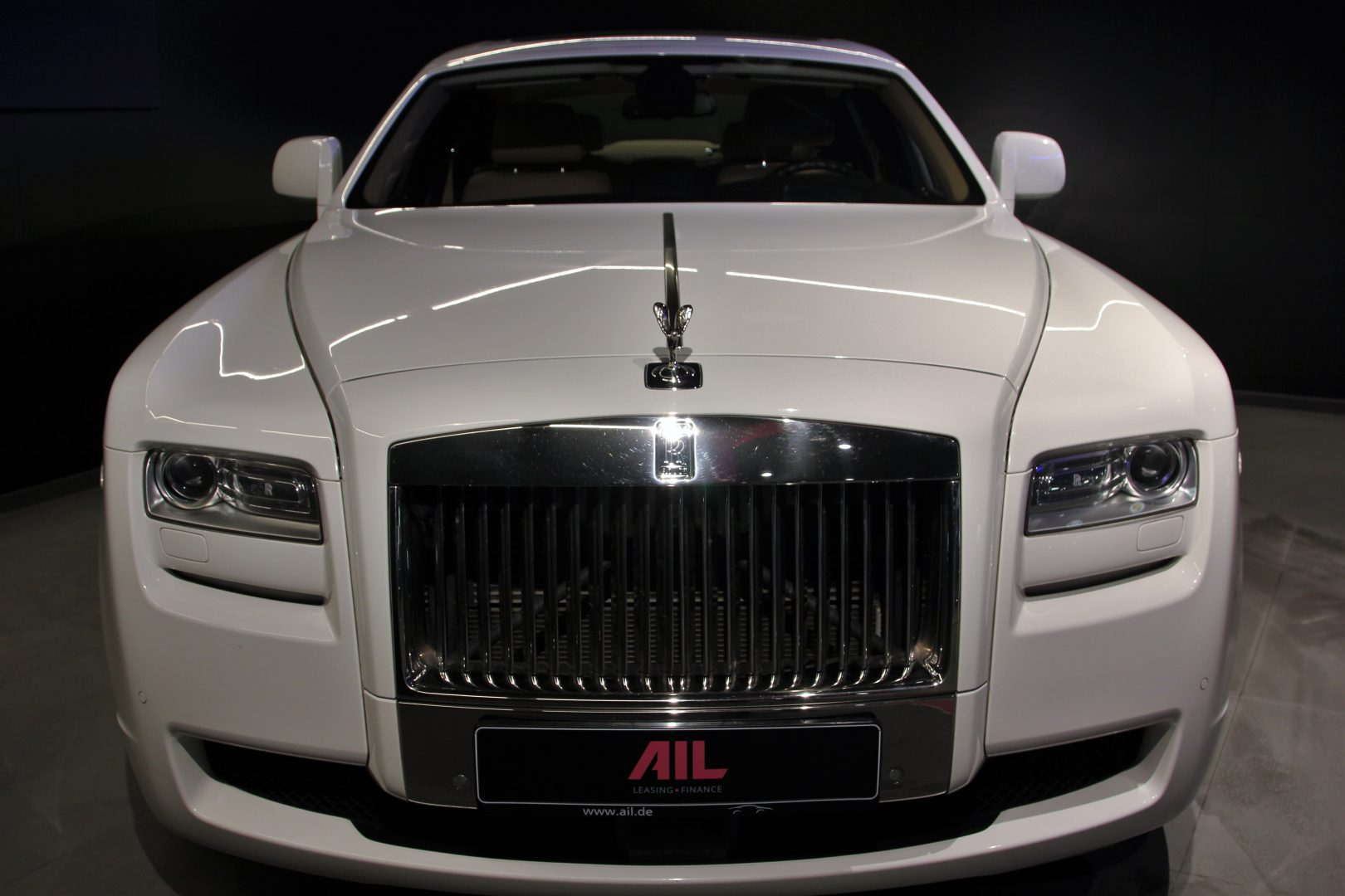 AIL Rolls Royce Ghost 6.6 V12  2