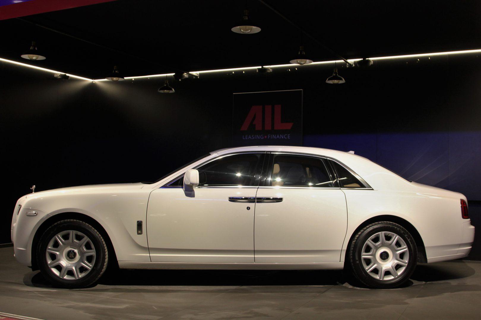 AIL Rolls Royce Ghost 6.6 V12  10