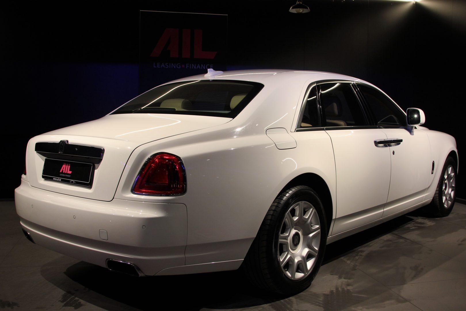AIL Rolls Royce Ghost 6.6 V12  6