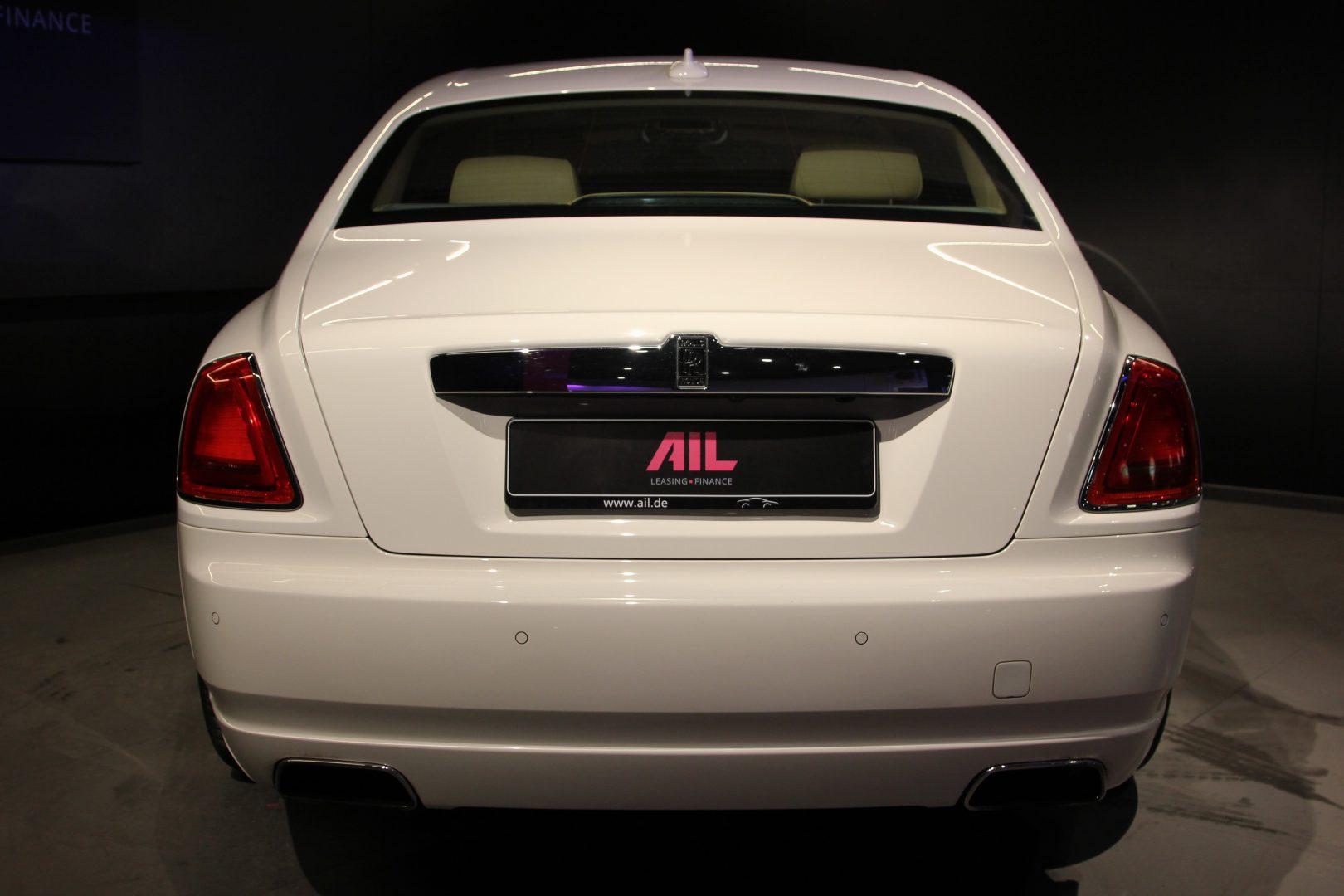 AIL Rolls Royce Ghost 6.6 V12  12