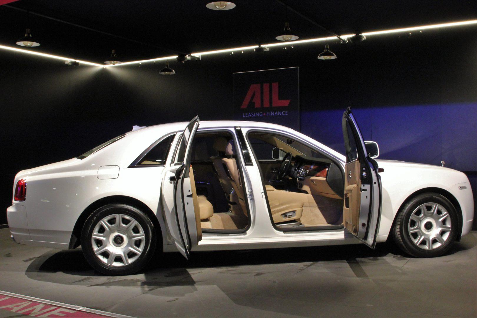 AIL Rolls Royce Ghost 6.6 V12  4